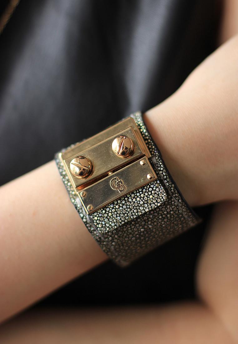 CSHEON Sting Ray Bracelet Cuff