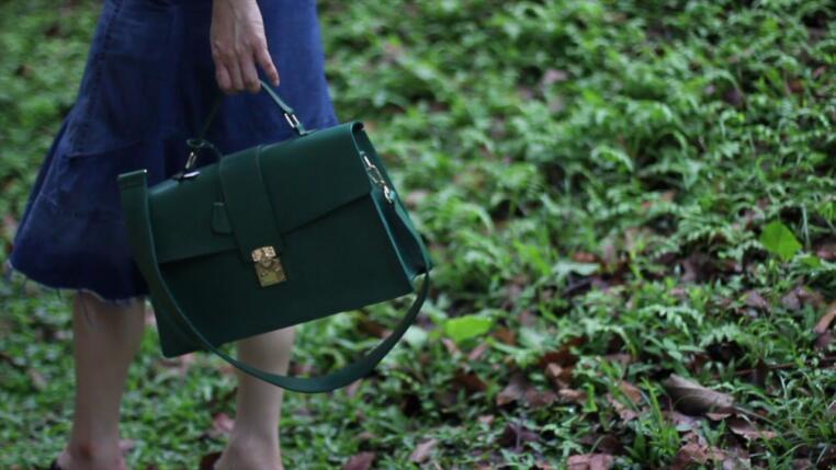Leighton Green Maine Bag