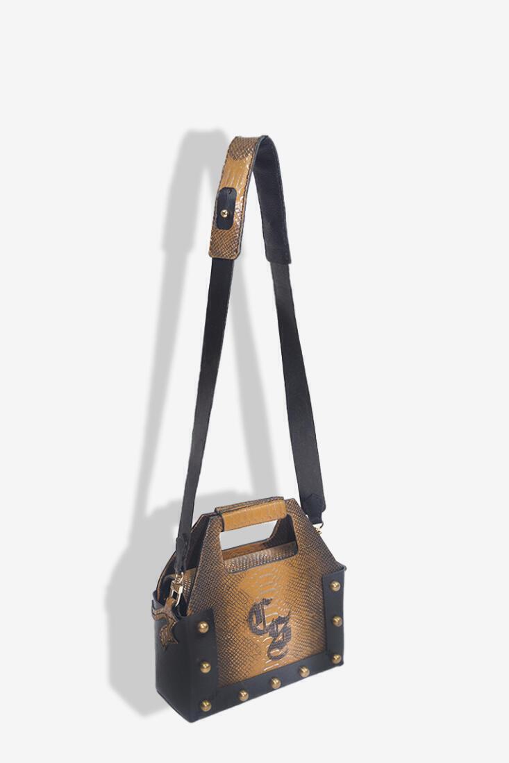 Csheon Sling Bag